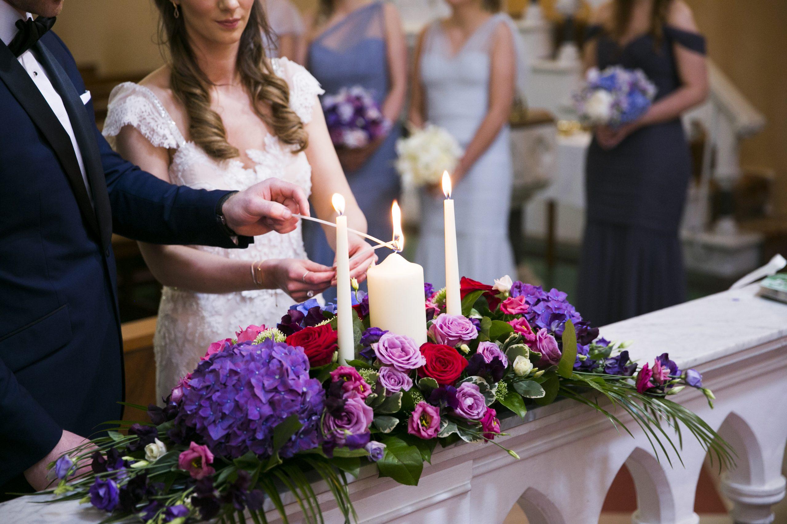 Alter arrangement by Finesse Weddings