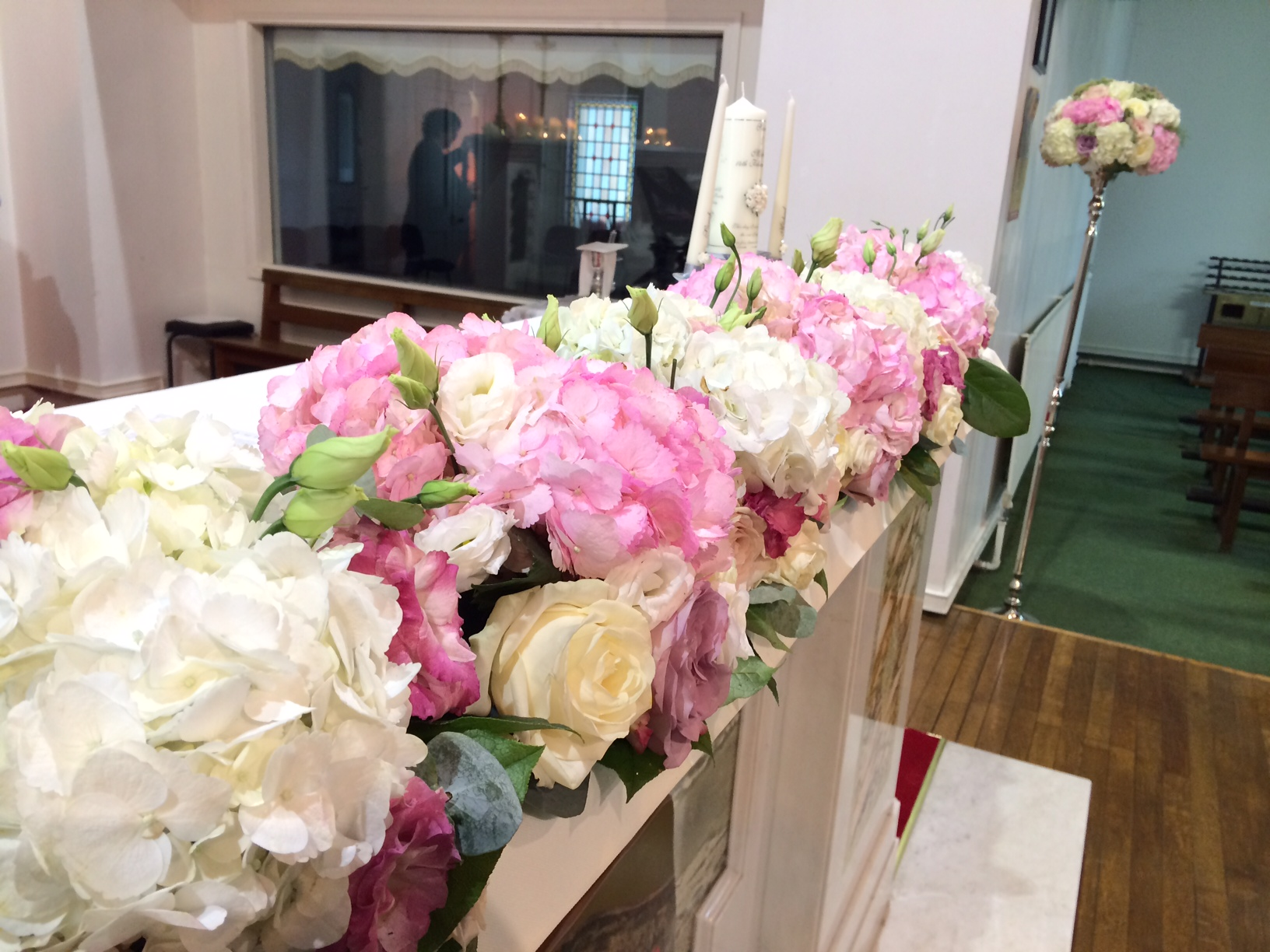 Lyrath Estate hydrangea and rose ceremony arrangements