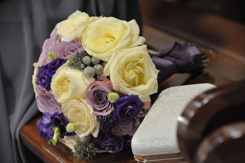 Winter wedding bridesmaids bouquets